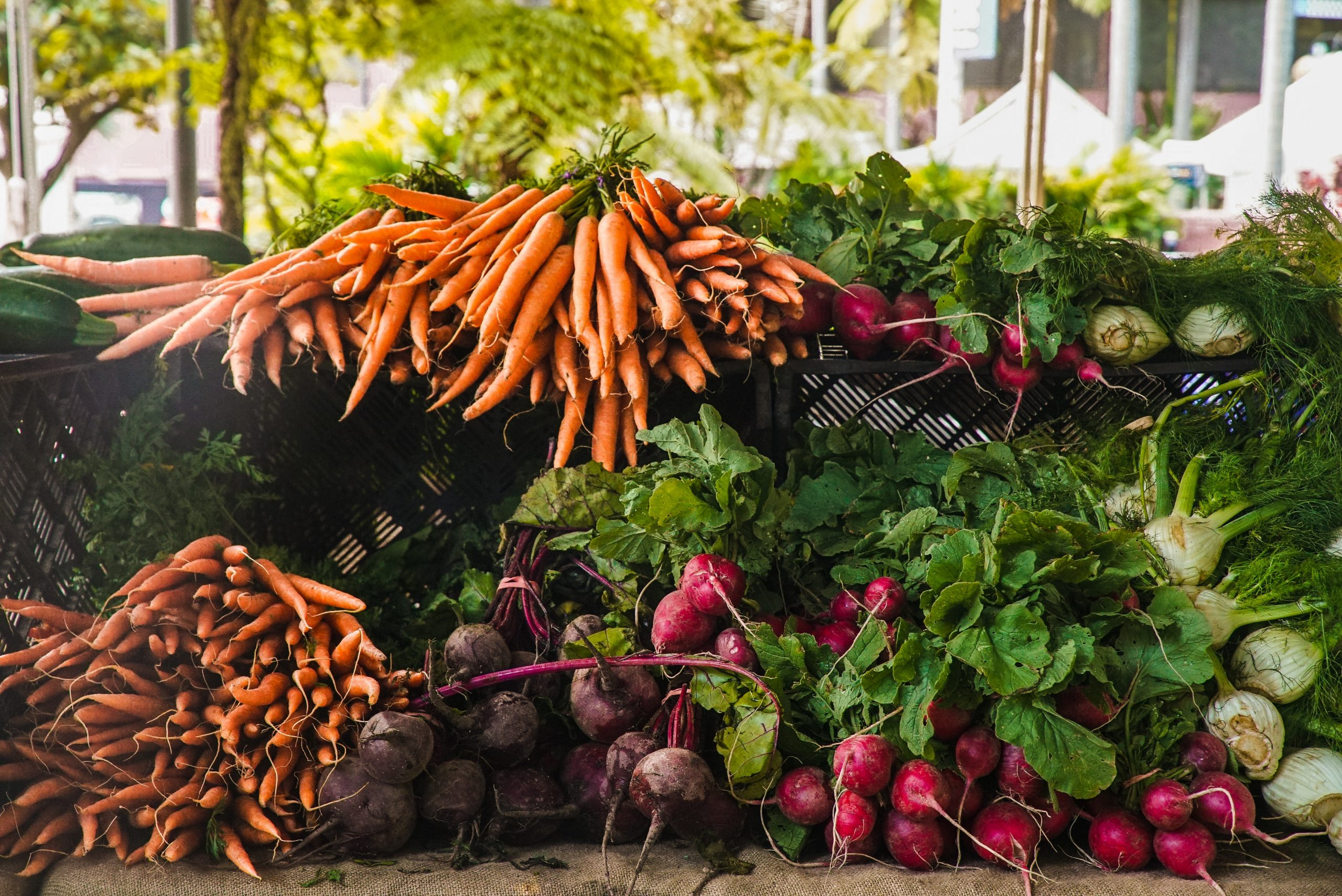 Piles of vegetables as an example of good nutrition; common nutritional mistakes.